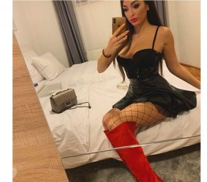 Koko greek escorts in Chorleywood