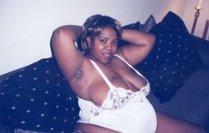 Khadijatou vip escorts Port Angeles